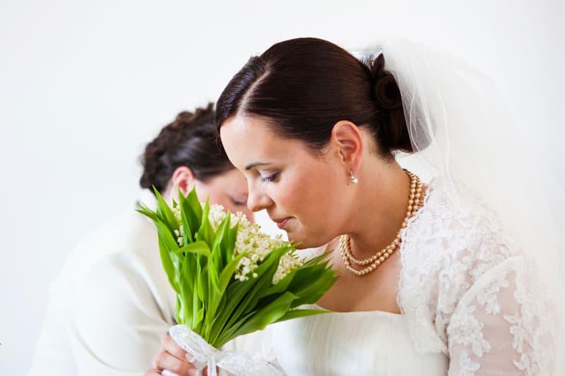 Bryllup fotograf – Forberedelse i våbenhuset