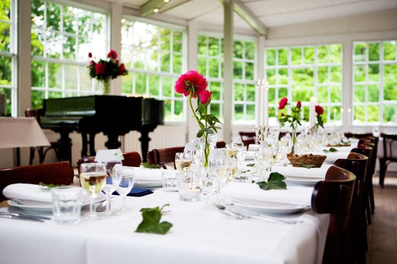 Bryllupsfotograf - det festdækkede bord