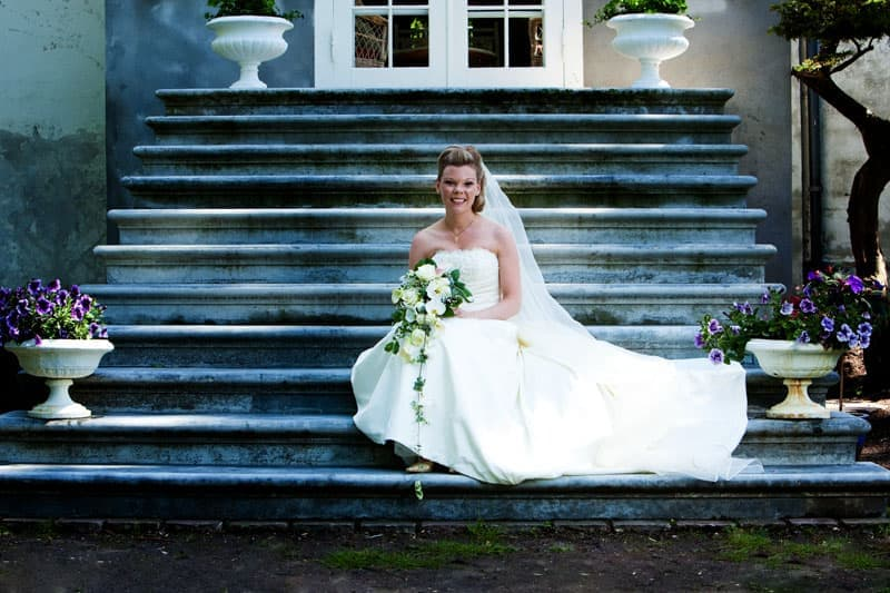 Bryllupsfotografering – bruden, på trappen