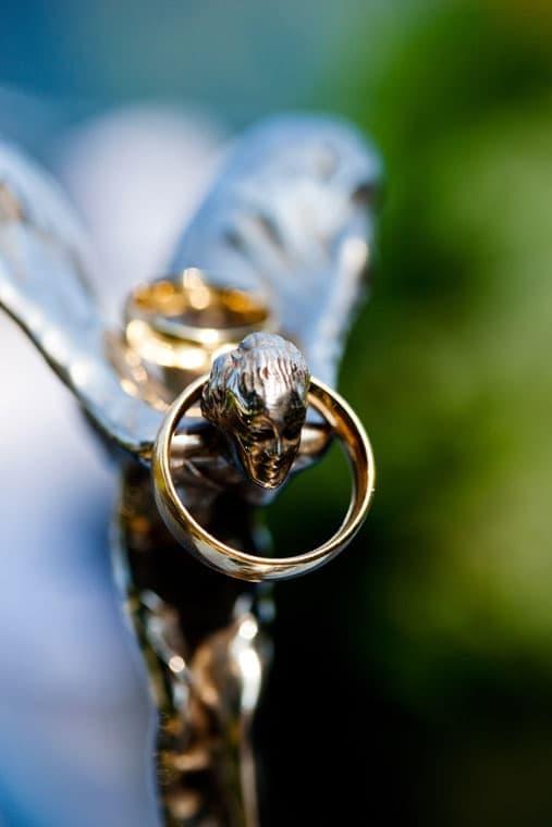 Bryllup fotograf – Vielsesringene – Sophienberg Slot