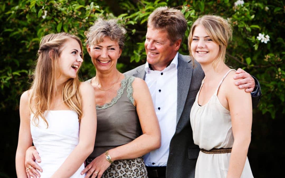 Konfirmation – Familiebillede med konfirmanden