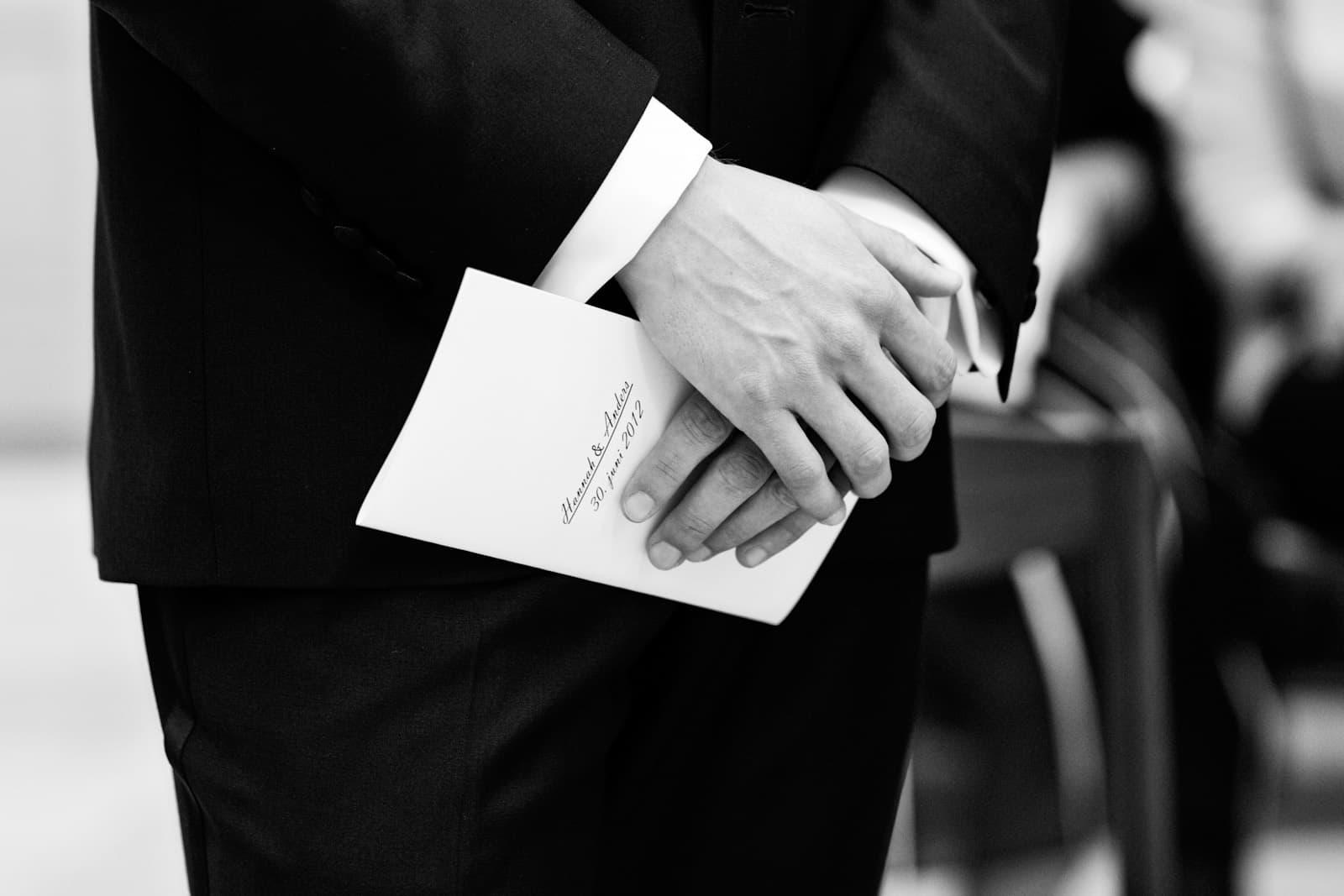 Brudgommen venter ved alteret – vielse i Vor Frue Kirke