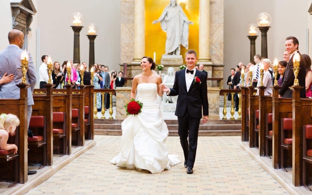Bruden og brudgommen – vielse i Vor Frue Kirke