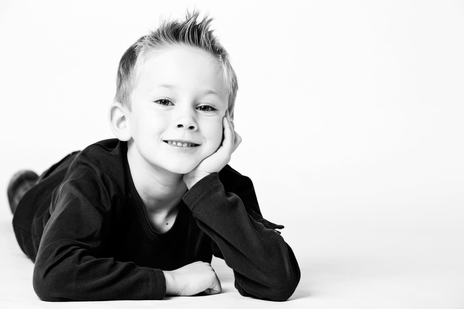Sort/hvid portræt af børn