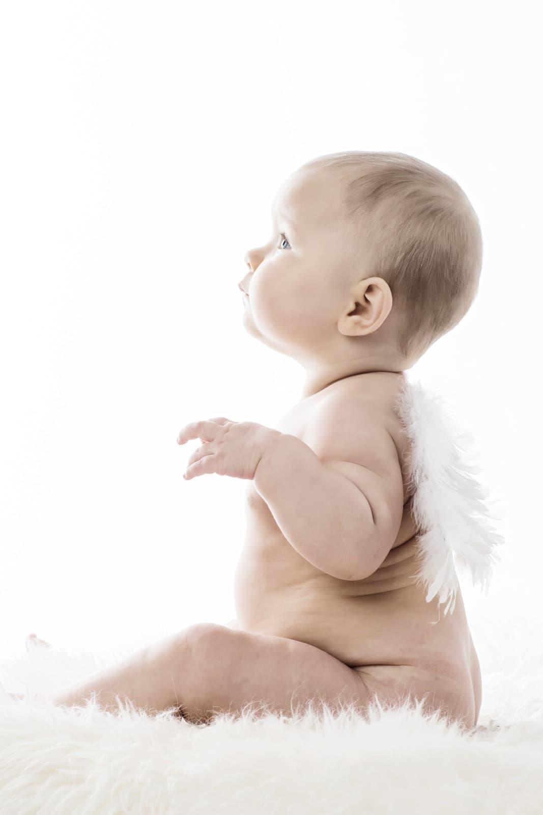 Baby med englevinger – Så er det jul :)