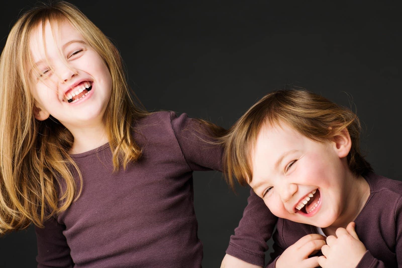 Søskende der griner - del 2