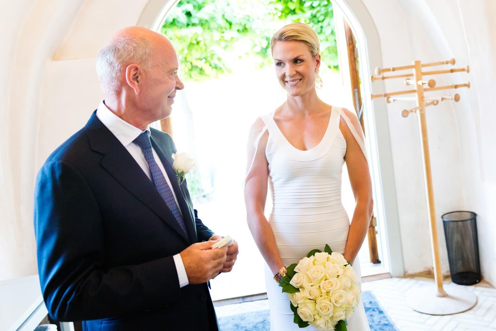 Bruden veter i våbenhuset
