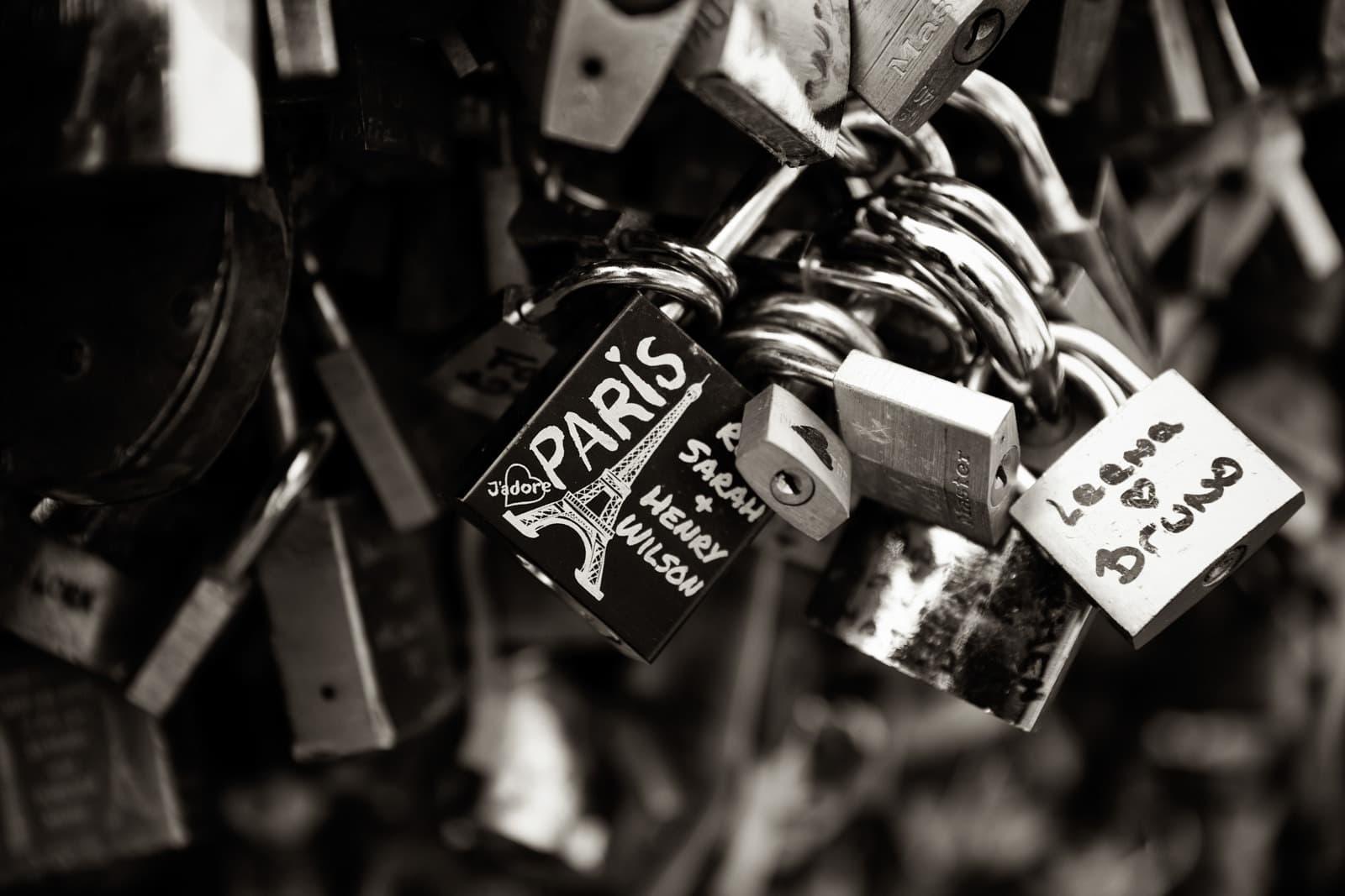 Kærlighedsbroen i Paris