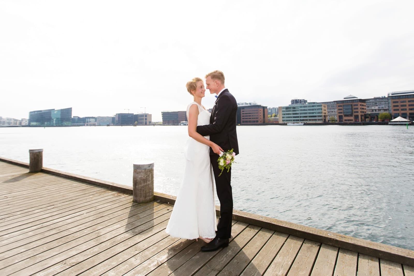 Brudeparret - bryllup på Islandsbrygge