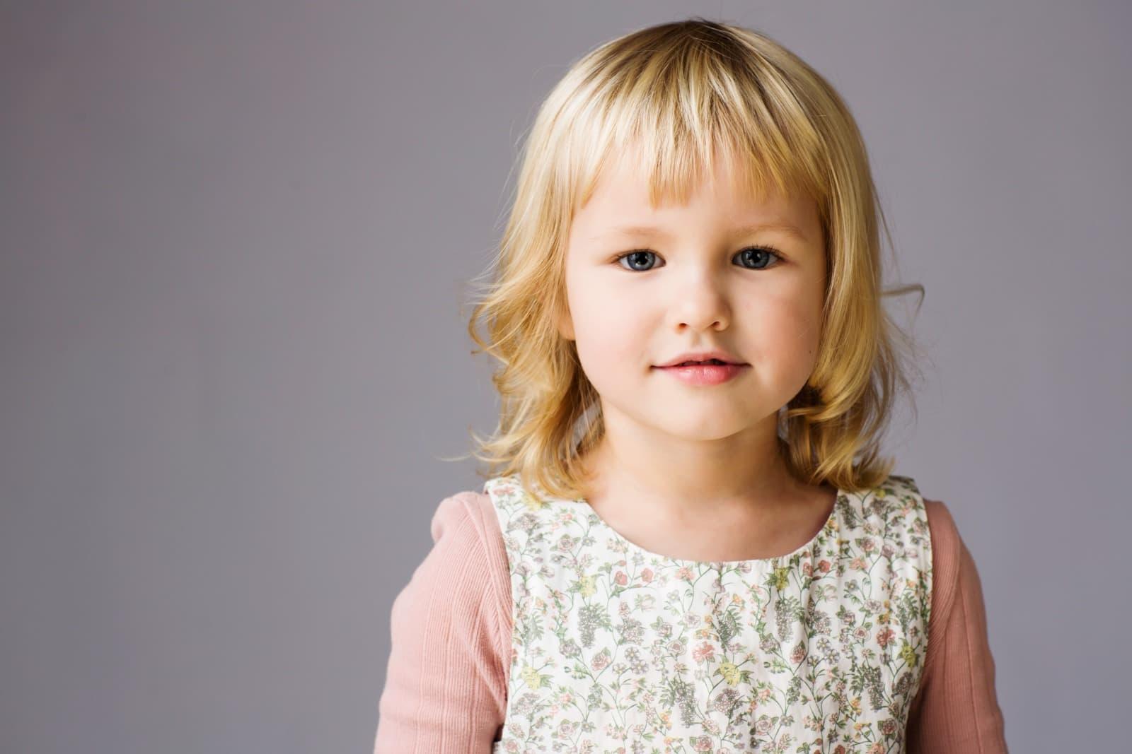 Pige portræt – bedre end skolefoto :)