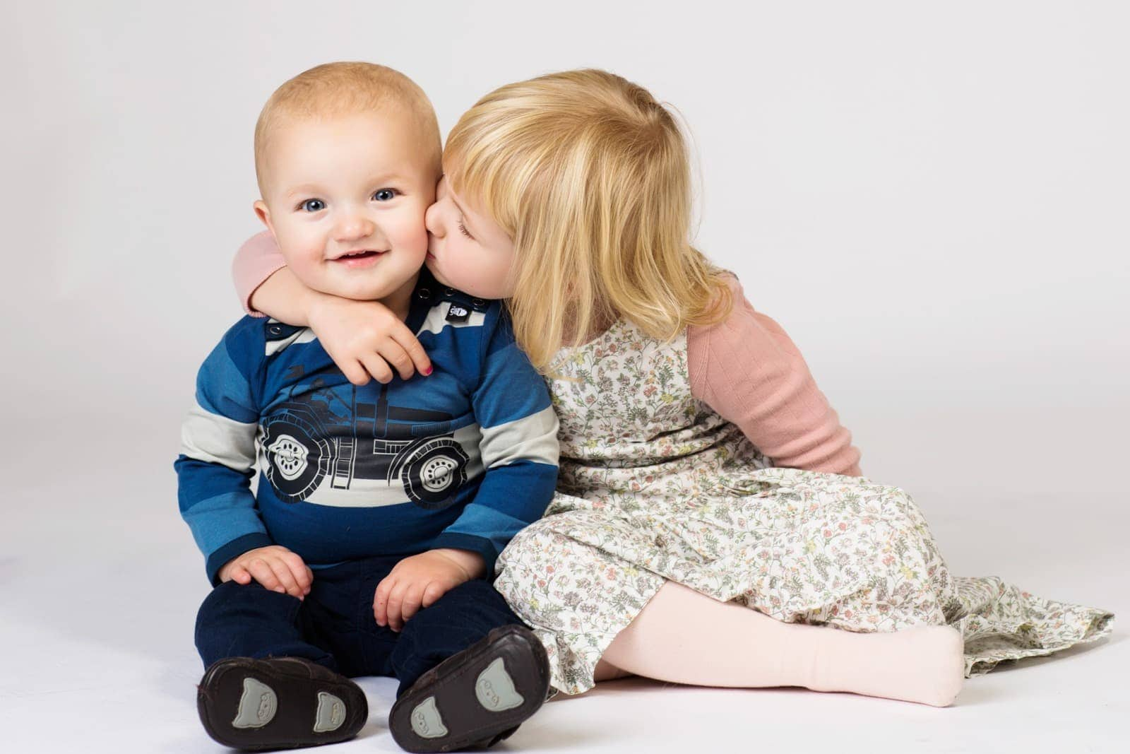 Børn - kram og kys
