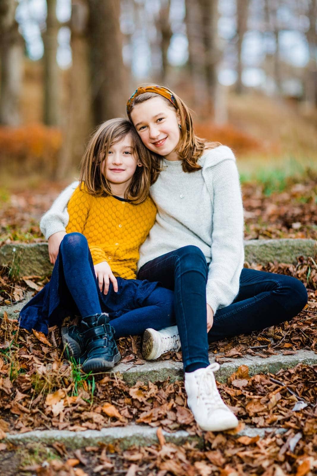 Fotograf af børn i naturen