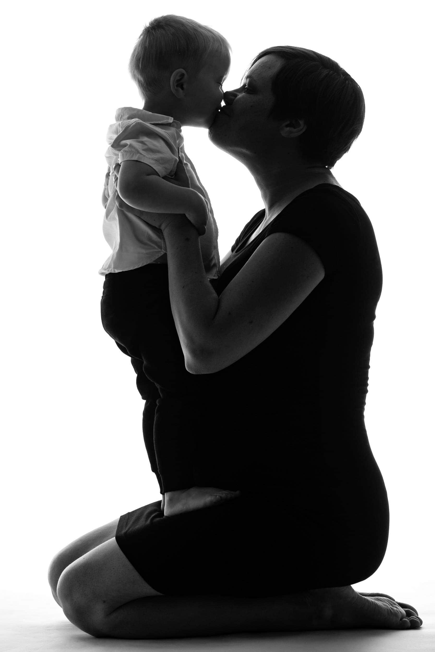 Gravid mave med barn hos fotograf - del 1