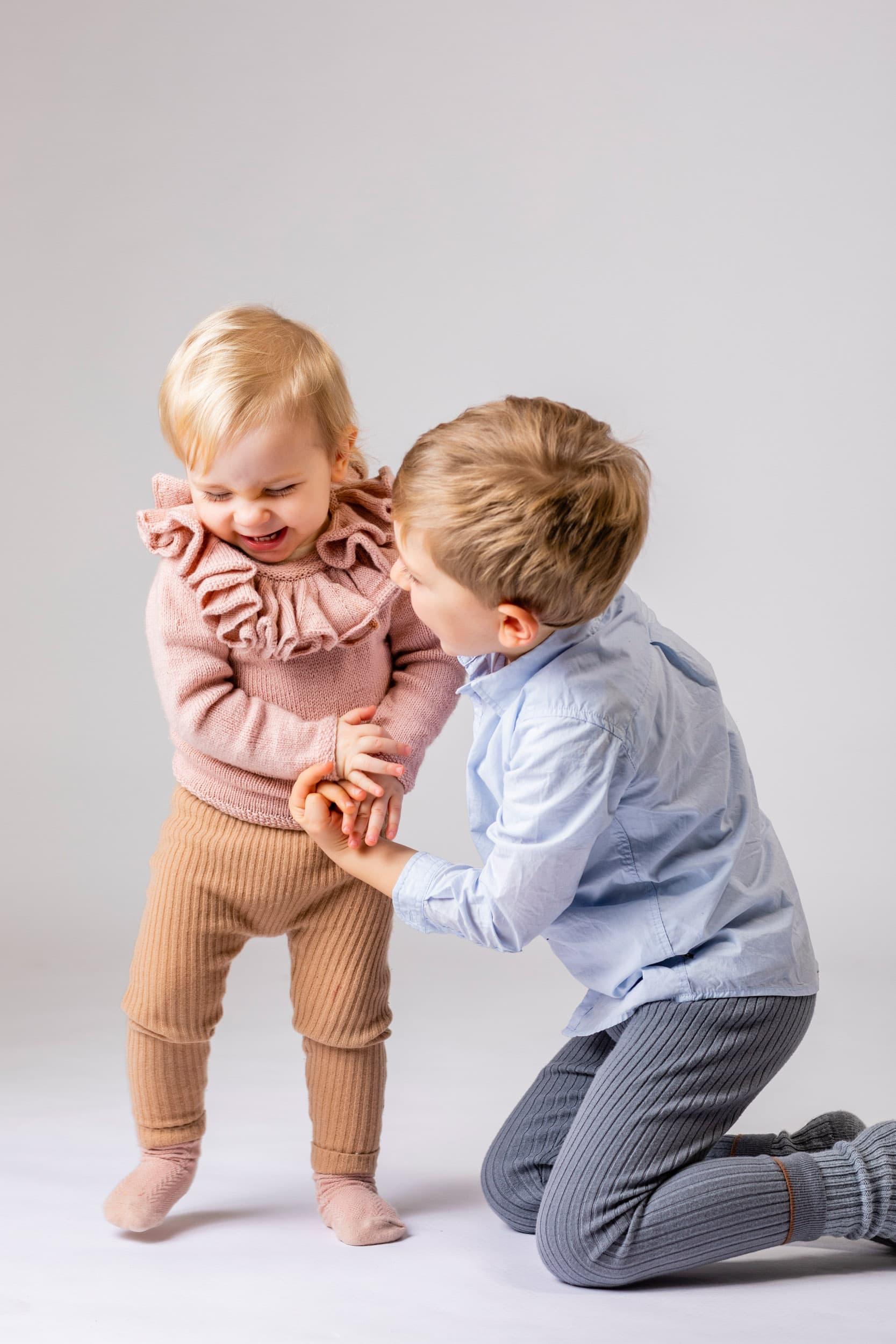 Søskende børn, fotograf, del 4